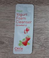 Fruits Yogurt Foam Cleanser Strawberry Ottie [пробник]