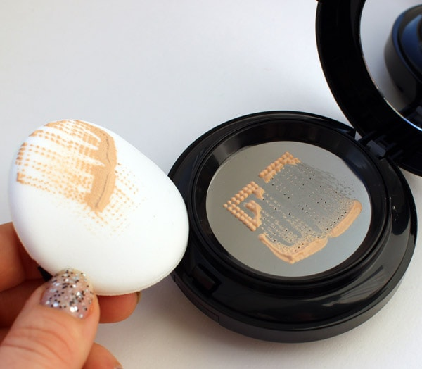 BCDation Cushion+ [Tony Moly] свотч 3